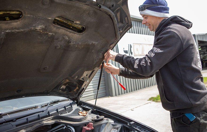 Gas Strut Repair Albury Wodonga